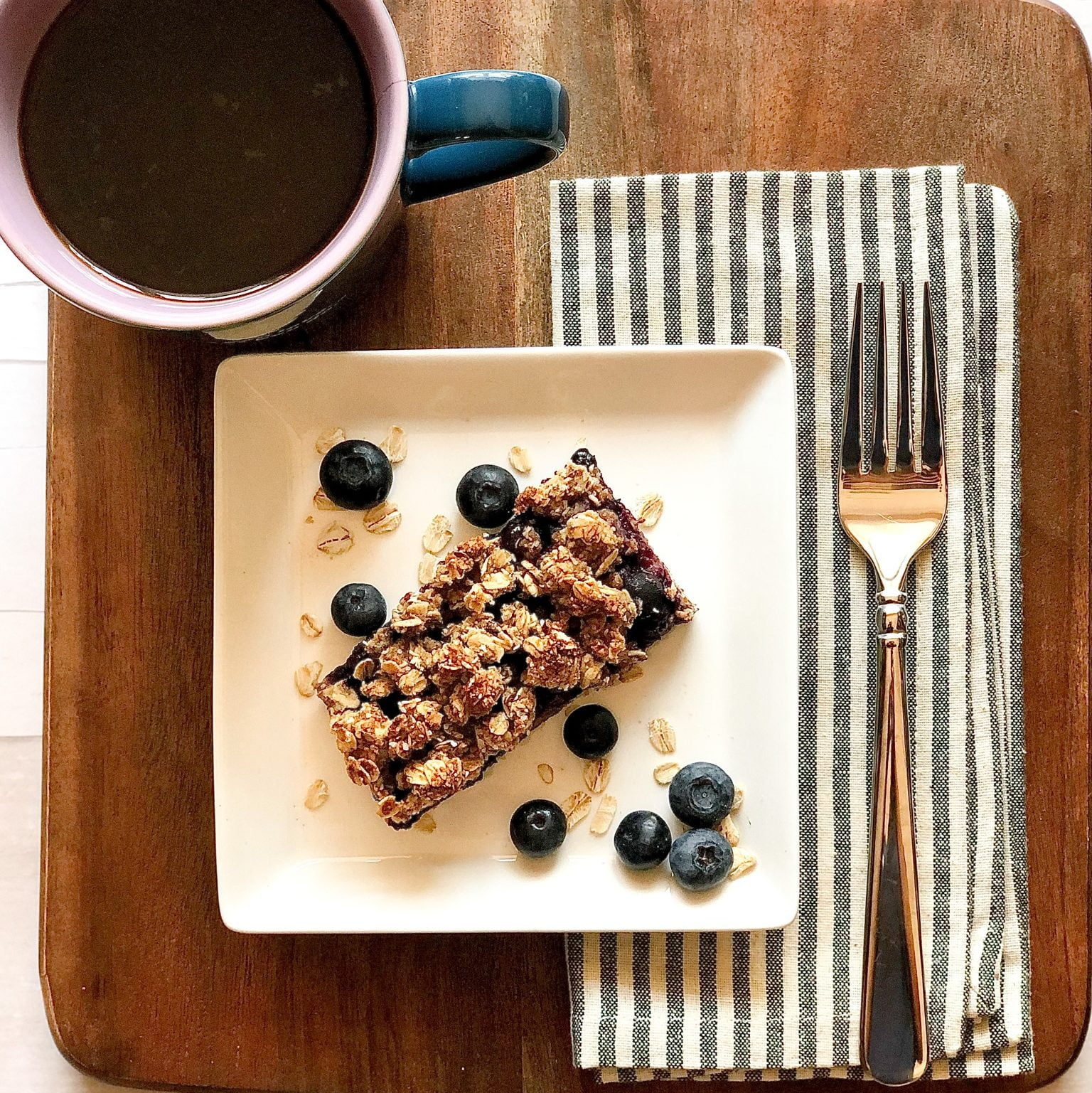 HEALTHY BLUEBERRY OATMEAL BREAKFAST BARS - skyrunning girl - healthy food - quick and easy simple - how to make vegan