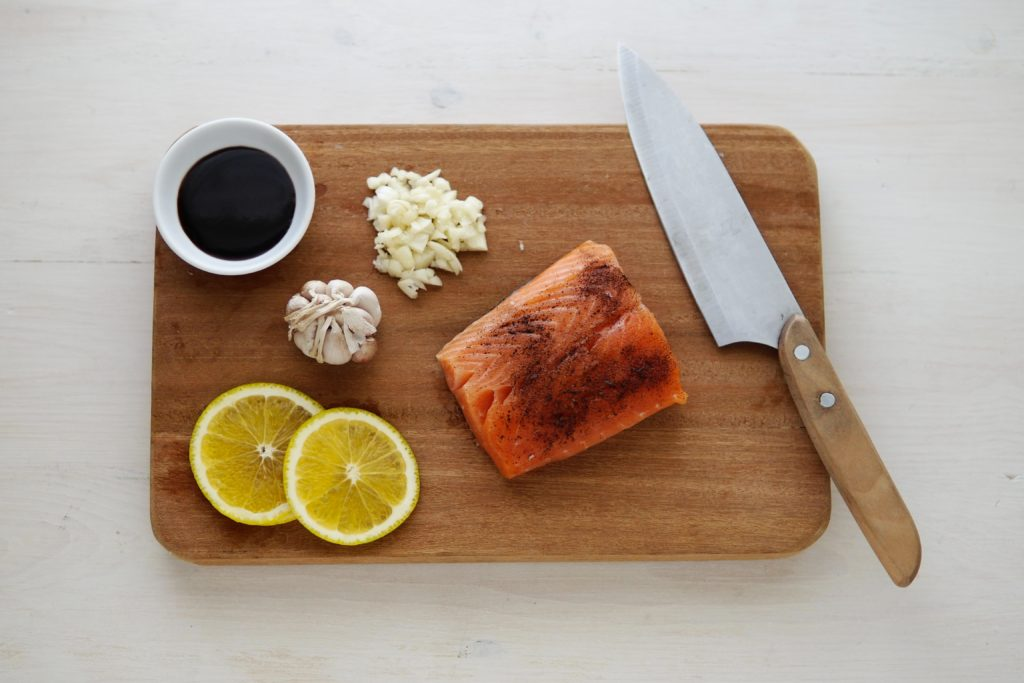 salmon lemon vitamin d garlic 7 Foods That Runners Must Have to Increase Vitamin D - Why it's Important